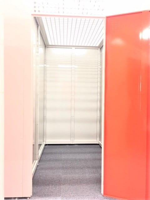 名古屋の格安屋内トランクルーム、レンタルストレージ24堀田 中くらいのトランクルーム内画像