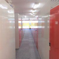 名古屋の格安屋内トランクルーム、レンタルストレージ24堀田 昼の店舗内通路画像