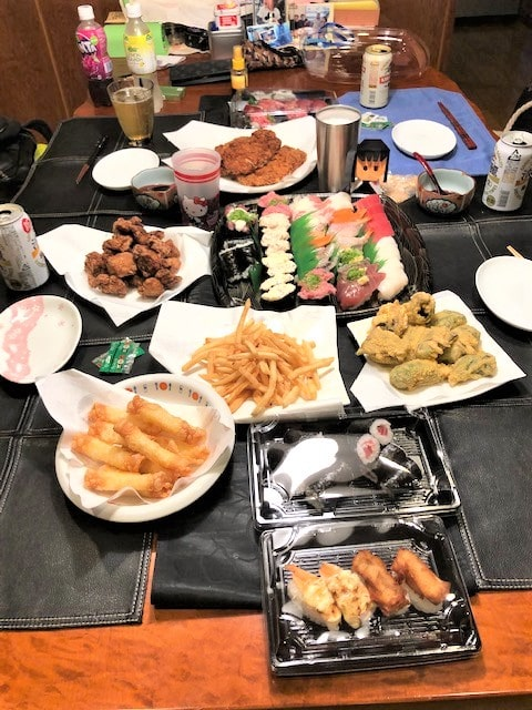 名古屋の格安屋内トランクルーム、レンタルストレージ24堀田 お寿司